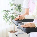 訪問リハビリテーションで働く理学療法士の仕事内容とは?訪問看護との違いを大公開